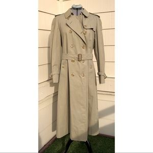 Vintage Burberry Women's Belted Trench Coat